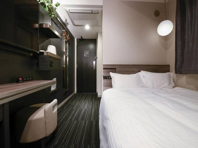 NO.1 close to Hamamatsucho Station!Standard Double room with Small Double Bed with Wifi&Handy Smartphone