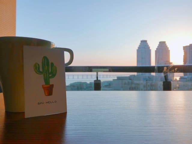 USTORY【初见 静默时光】一杯咖啡伴暖阳 双落地窗海景 时间休憩地 星海广场 五分钟海边