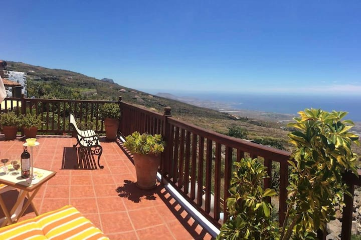 House with 2 bedrooms in Adeje, with wonderful sea view, furnished terrace and WiFi - 10 km from the beach