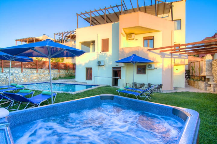 Paradise Villa, Ideal for Groups!