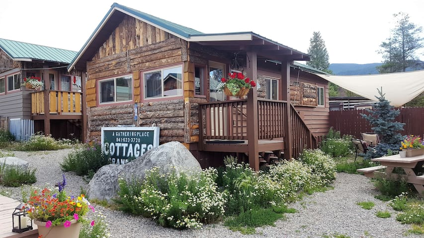 The Angler Cabin #5: Lupine Village at Grand Lake