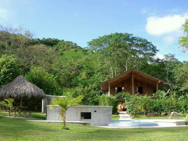 Cabaña Familiar cerca de Tambor - en Valle Azul - Cabane