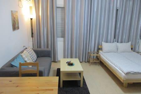 Studio apartment Rothschild Petah Tikva - Petah Tikva - Apartamento
