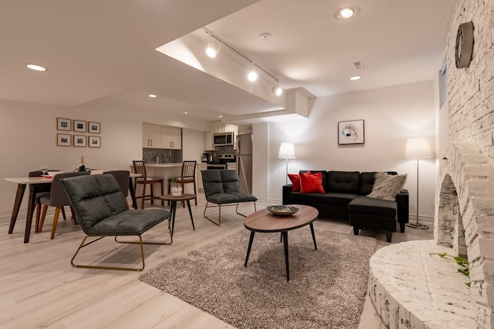 Super clean and spacious 2 bedrooms basement
