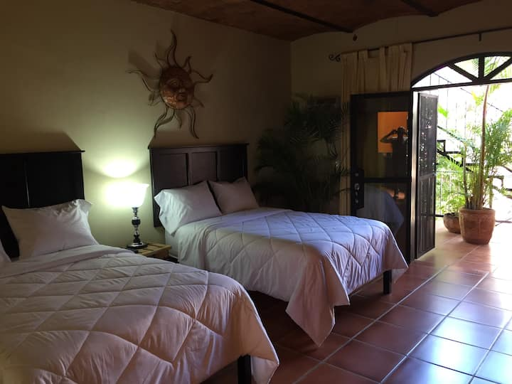 Hab. Hotel Room- The Victoria Ajijic Deluxe