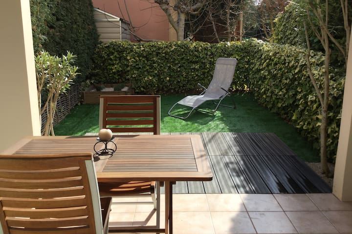 Studio avec terrasse  proche Aix en Provence