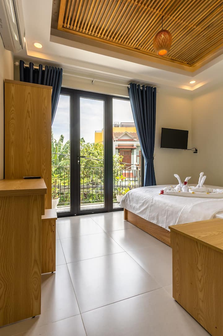 Deluxe Room with Balcony-D Central Homestay Hoi An