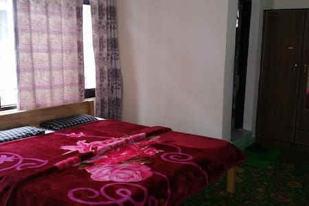 Room in close proximity to Dal Lake - Srinagar - Penzion (B&B)