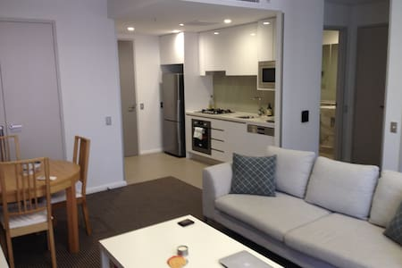 Modern 1 bed apartment with pool & gym - Waterloo - Pis