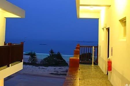 民宿位於吉貝島的精華區,世界級的黃金長尾沙灘,步行3分鍾即可到達 - 澎湖縣 - Гестхаус