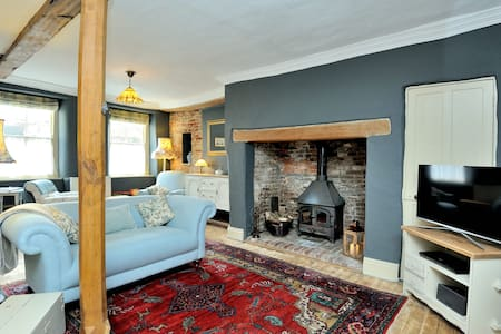 Stunning chic retreat in a pretty market town - Blandford Forum