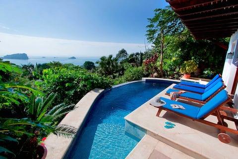 Balinese Style Villa w/Panoramic Views & Pool