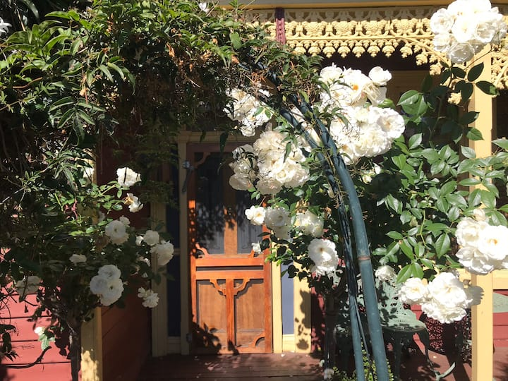 Cute 1880's Cottage in Invermay - Launceston
