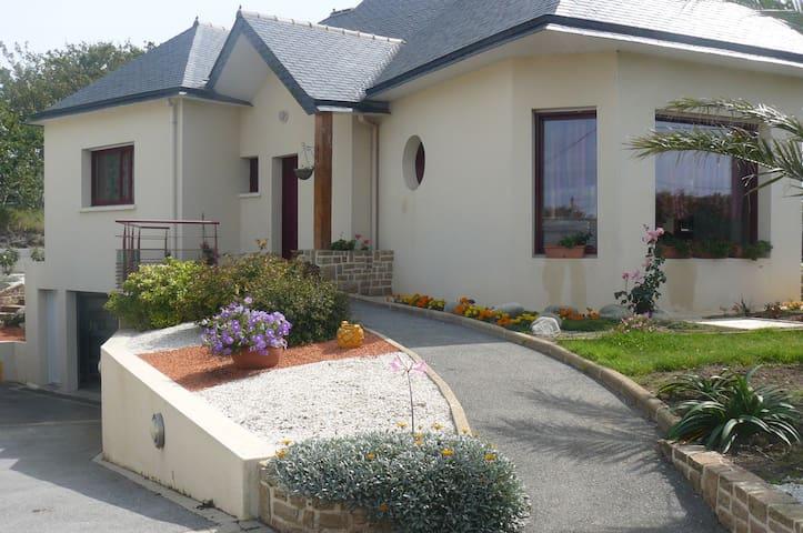 Maison spacieuse à 2 pas de la Mer d'Iroise - Plouarzel - Casa