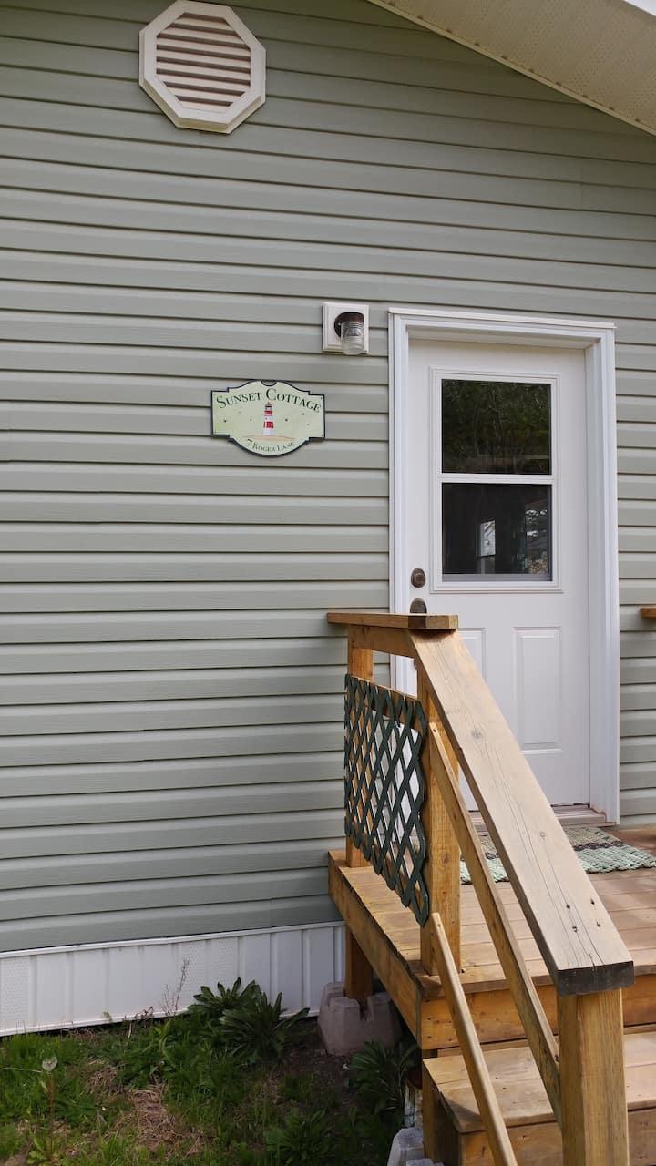 Roomy Cottage on Minas Basin, Parrsboro, N.S.