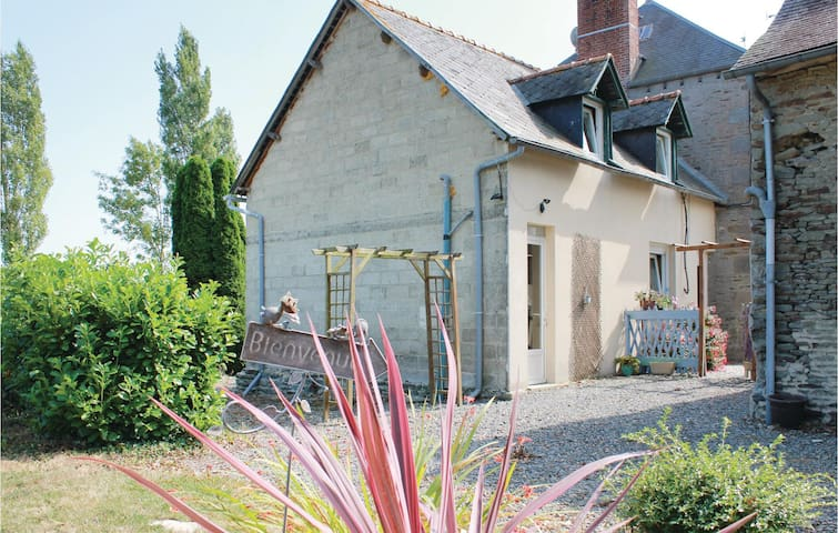 Semi-Detached with 1 bedroom on 48 m² in Moidrey