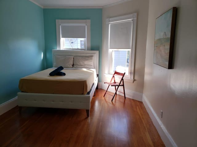 Room in federal hill 2.