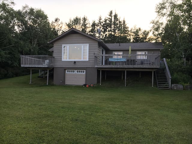Miller Lake Beach Front Cottage