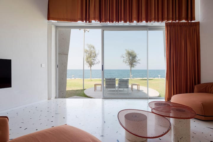 The Orange Villa 1 - Seafront Duplex