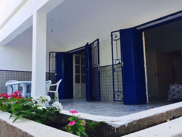 Jolie maison avec jardin à louer à Haouaria plage