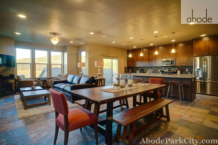 5 Min. to DV Gondola-Pool,Hot Tub,Theater,Gym Access-Sleeps 12-Mountain Haus! - Kamas - Casa