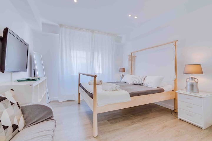 Private suite/studio in Faro