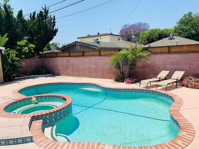 Recently renovated home with Pool and BBQ!