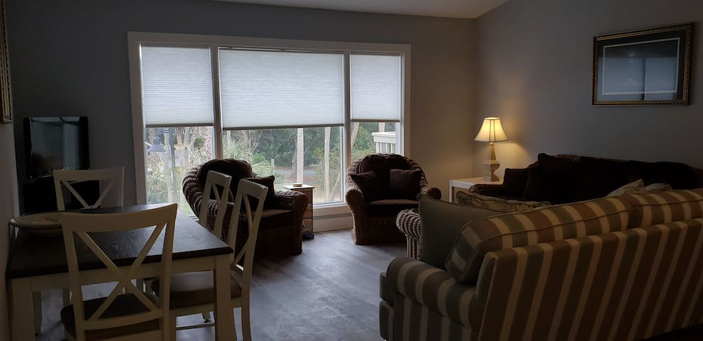 Isle of Palms very nicely done 2 bedroom condo.