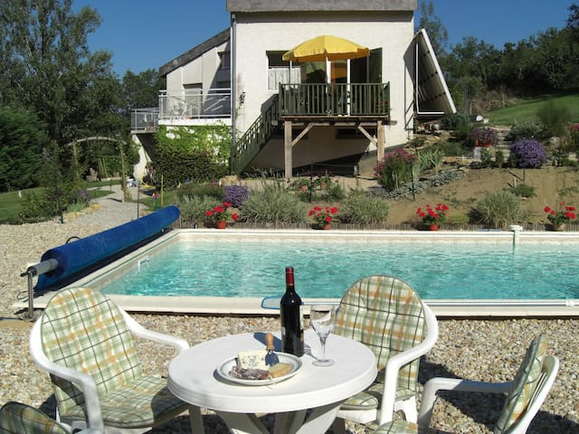 Rural gite with pool, near village - Hugounenque, Route de Laguepie, Verfeil sur Seye, 82330, Tarn et Garonne - Apartment
