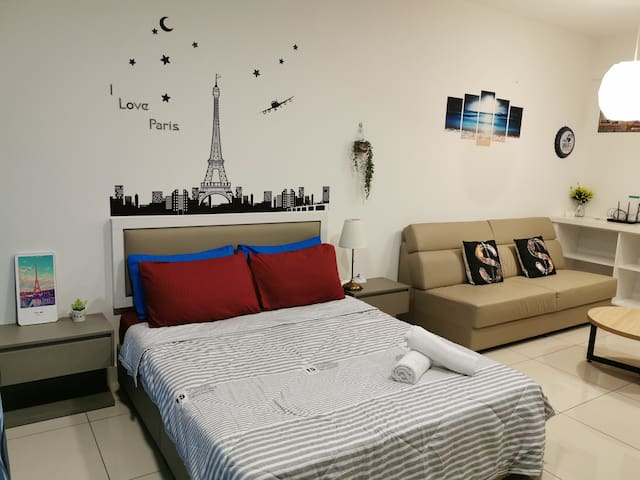 Romance Studio @Evo Soho Bangi with WIFI & Netflix