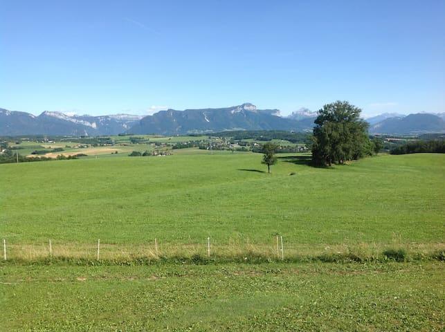 Charmant studio au calme entre Annecy et Genève