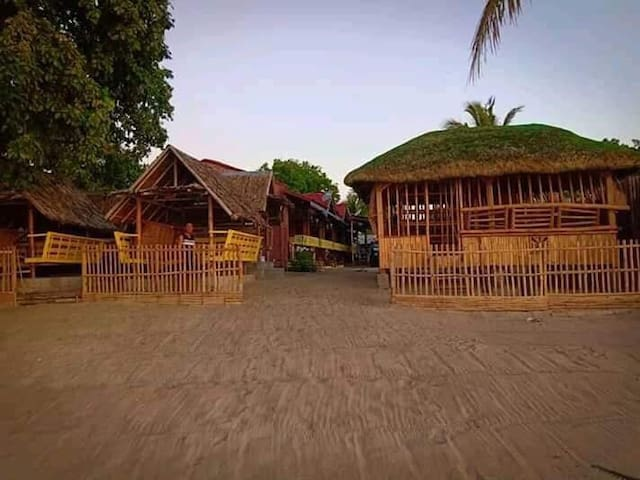 Rooms with aircon, pavillion and open cottages