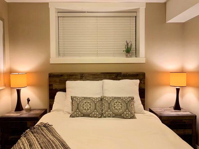 Brand new queen mattress and bedding