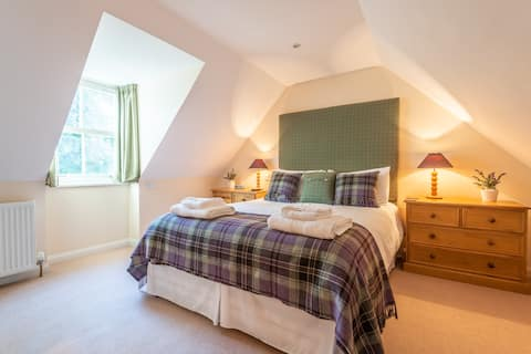 2 Hedgefield Cottages