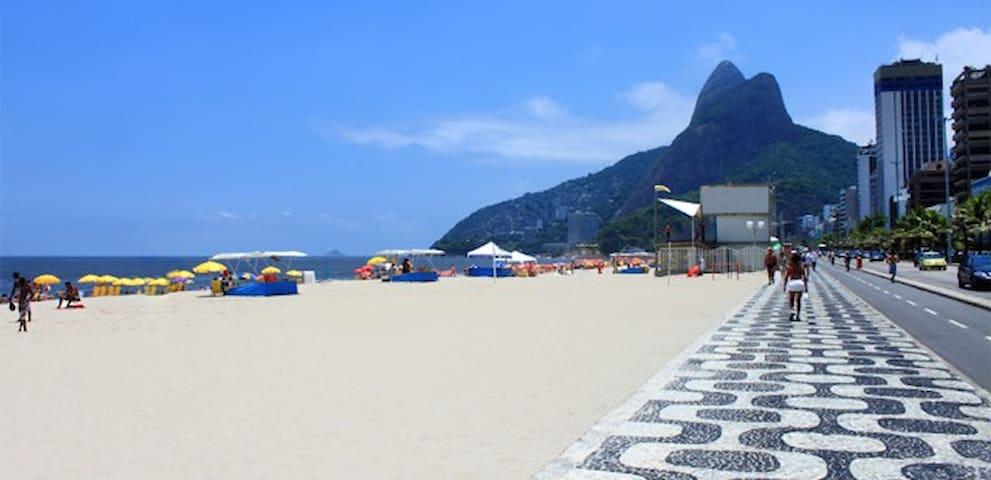 Flat 2 quartos, a uma quadra da praia de Ipanema. - Rio de Janeiro