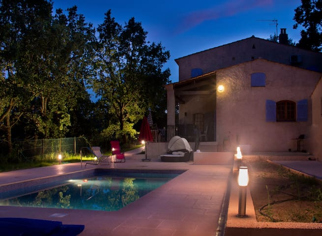 Beautiful Provencal Villa with heated Pool - Seillans - Hus