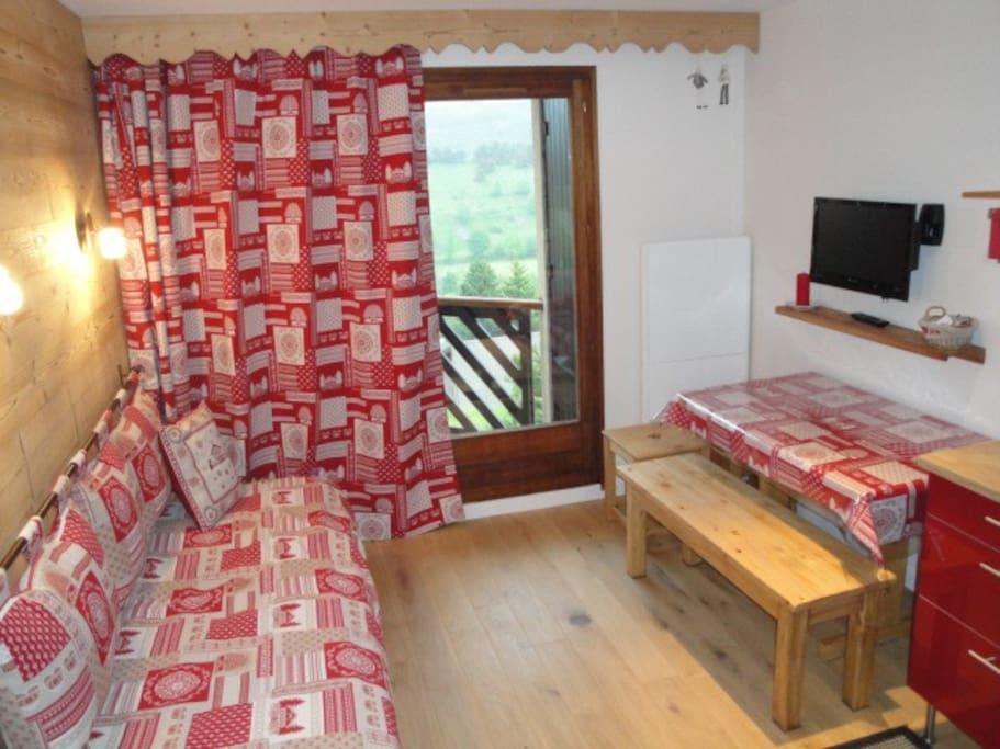 appt 4 pers ttconfort ideal famille jolie vue condominiums for rent in gresse en vercors. Black Bedroom Furniture Sets. Home Design Ideas