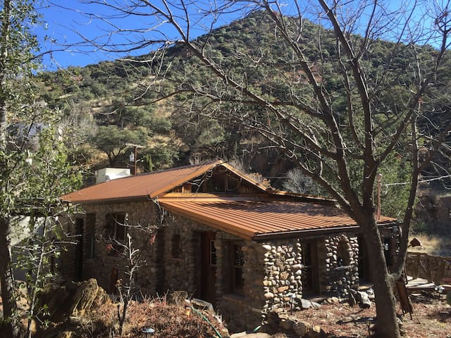 Charming Stone Home in Historic Old Bisbee - Bisbee