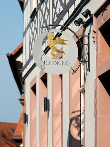 Goldkind - Aeris