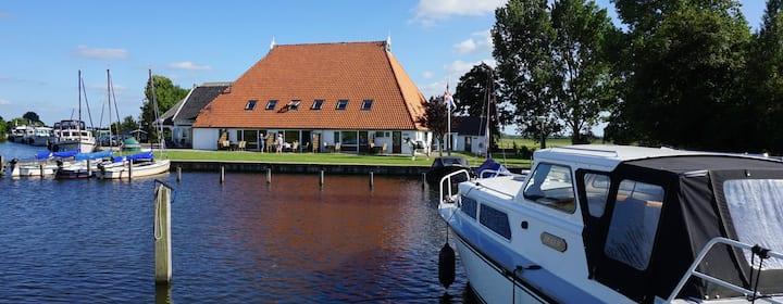 Sfeervol vakantiehuisje huren in Friesland