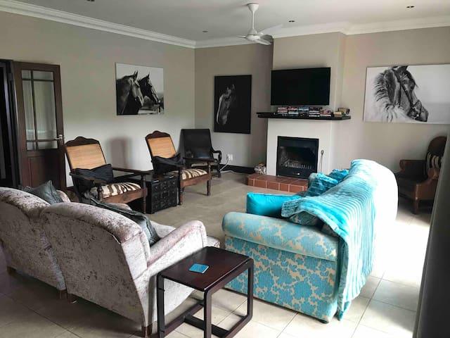 Beautiful 4 bedroom duplex in Nottingham rd