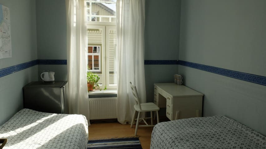 Private Room near Old Town - Tallinna - Osakehuoneisto