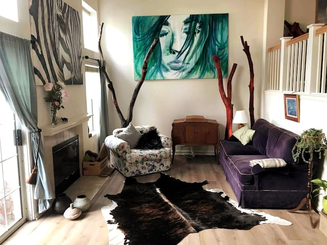 Charm Downtown Benicia Long-term - Sunny Cozy Home