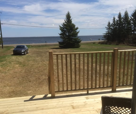 Saint Thomas Oceanfront Cottage - Saint-Thomas-de-Kent - Stuga