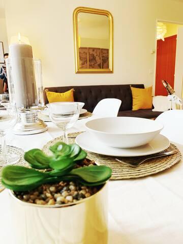 Coin Repas : Une table pour partager votre repas à 2 comme à 4 :-)
