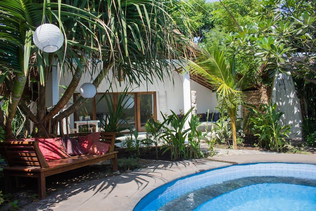Beautiful 1 bedroom pool side villa villa nangka for Amenagement jardin 2000m2
