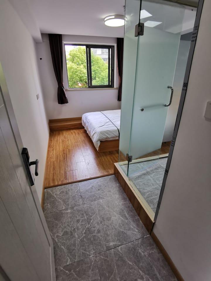 新街口市中心独立卫浴大床房大窗户房间