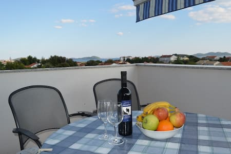 Modern quiet apartement - Pakoštane