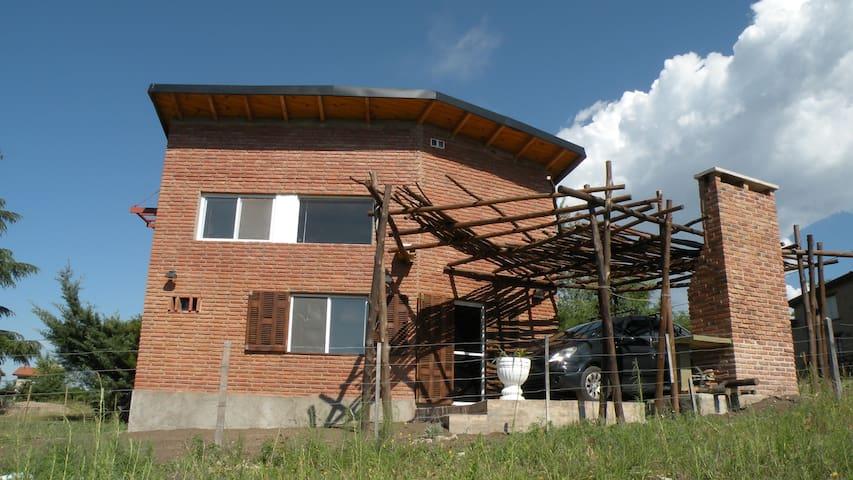 Casa cabaña en Los Reartes. Cordoba - Córdoba - Huoneisto