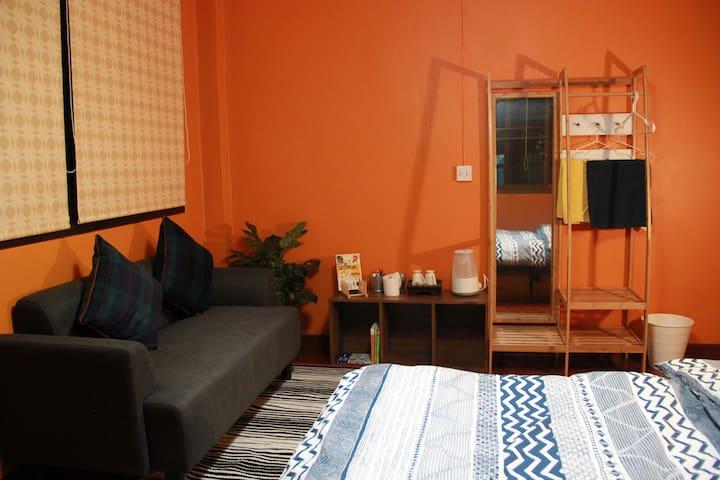 Solana room